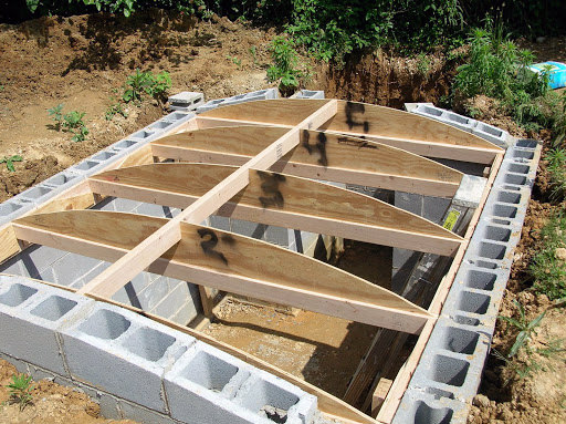 How to build a root cellar in 7 steps walden labs for Walden 7 piscina