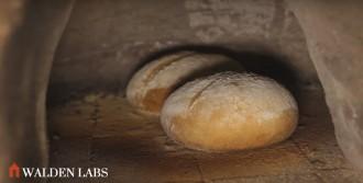 Baking bread in an earthen oven