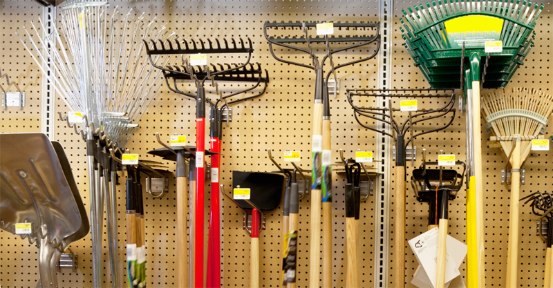 Three kinds of tools you need for successful gardening for Gardening tools you need