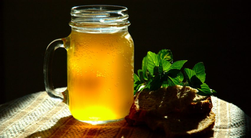 """Old-Fashioned, Healthy, Lacto-Fermented Soft Drinks: The Real """"Real Thing"""""""