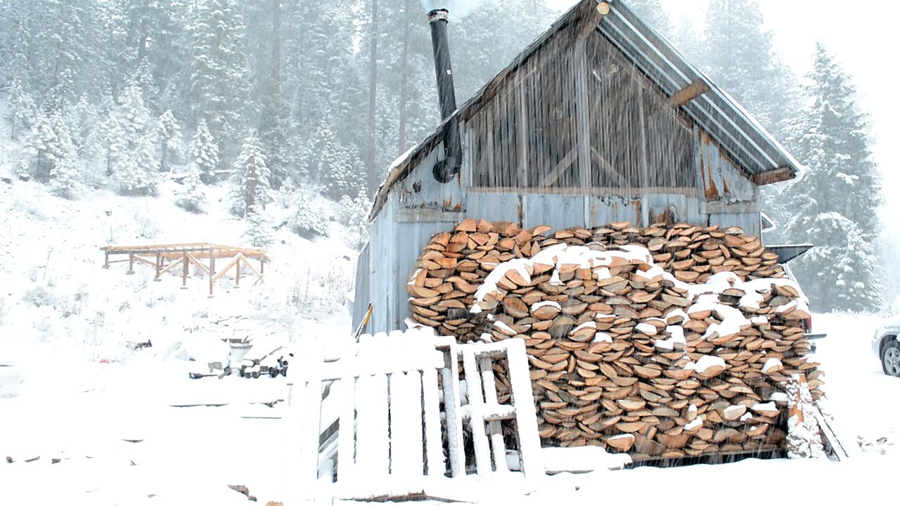 Living off the Grid: Building a $300 Off the Grid Cabin for Winter